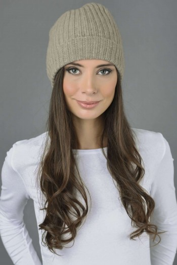 Pure Cashmere Fisherman Ribbed Beanie Hat in Camel Brown