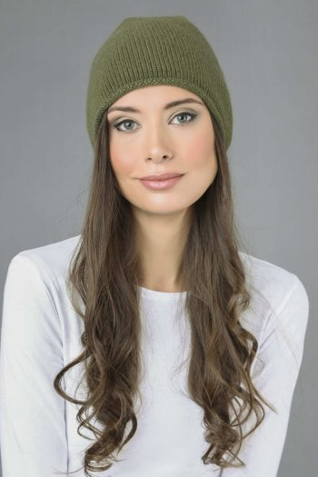 Pure Cashmere Plain Knitted Beanie Hat in Loden Green