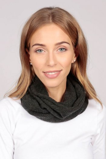 Cashmere snood in charcoal grey