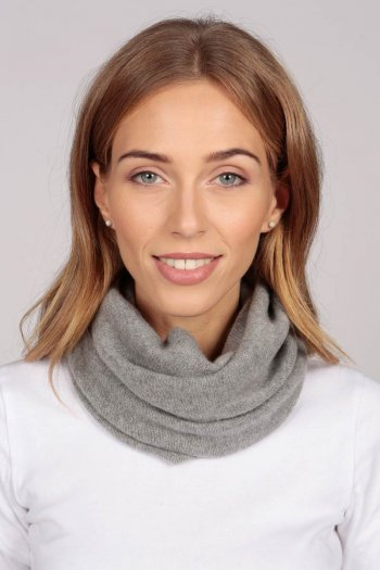 Cashmere snood in light grey