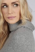 Light Grey pure cashmere roll neck poncho cape close-up