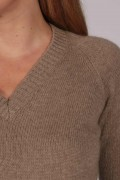 Womens Camel Brown V-Neck Cashmere Sweater detail