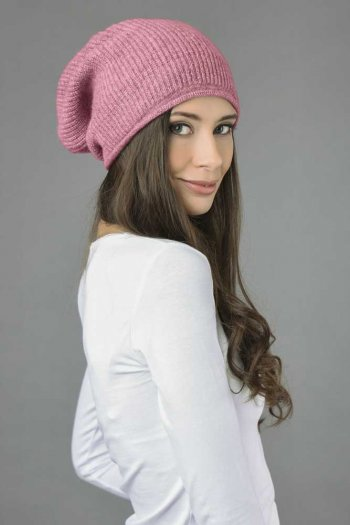 Pure Cashmere Ribbed Knitted Slouchy Beanie Hat in Antique Pink