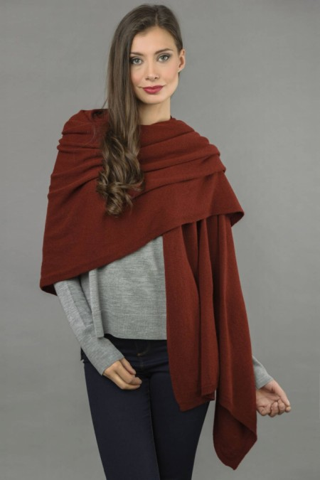 Knitted Pure Cashmere Wrap in Bordeaux front 1
