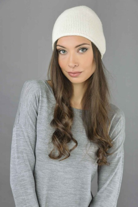 Pure Cashmere Plain Knitted Beanie Hat in Cream White 1