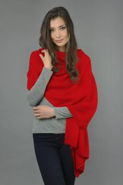 Pure Cashmere Wrap in Red