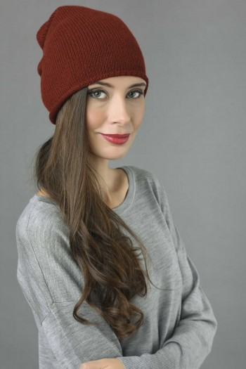 Pure Cashmere Plain Knitted Slouchy Beanie Hat in Bordeaux