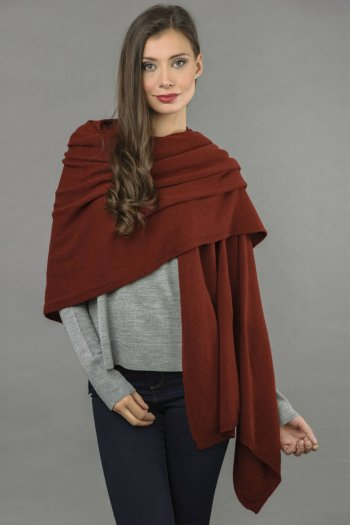 Knitted Pure Cashmere Wrap in Bordeaux