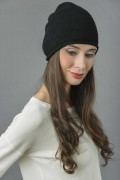 Pure Cashmere Plain Knitted Beanie Hat in Black 3