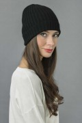 Pure Cashmere Fisherman Ribbed Beanie Hat in Black 2