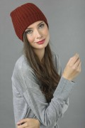 Pure Cashmere Fisherman Ribbed Beanie Hat in Bordeaux 3