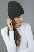 Pure Cashmere Fisherman Ribbed Beanie Hat in Charcoal Grey 2