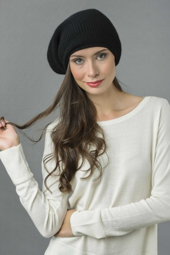 Pure Cashmere Ribbed Knitted Slouchy Beanie Hat in Black