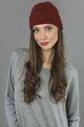 Pure Cashmere Plain and Ribbed Knitted Beanie Hat in Bordeaux 3
