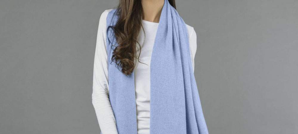 Blue cashmere wrap of premium quality