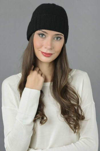 Pure Cashmere Plain and Ribbed Knitted Beanie Hat in Black