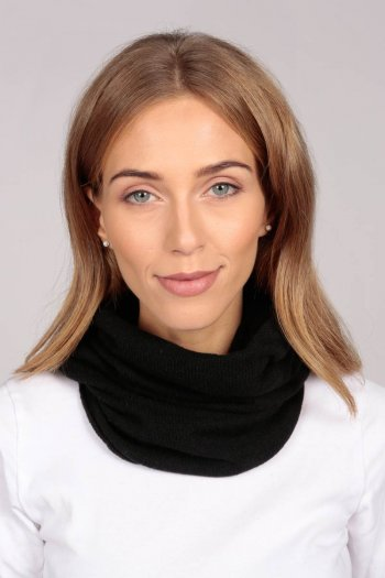 Cashmere snood in black