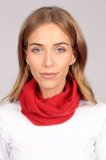 Cashmere snood in red